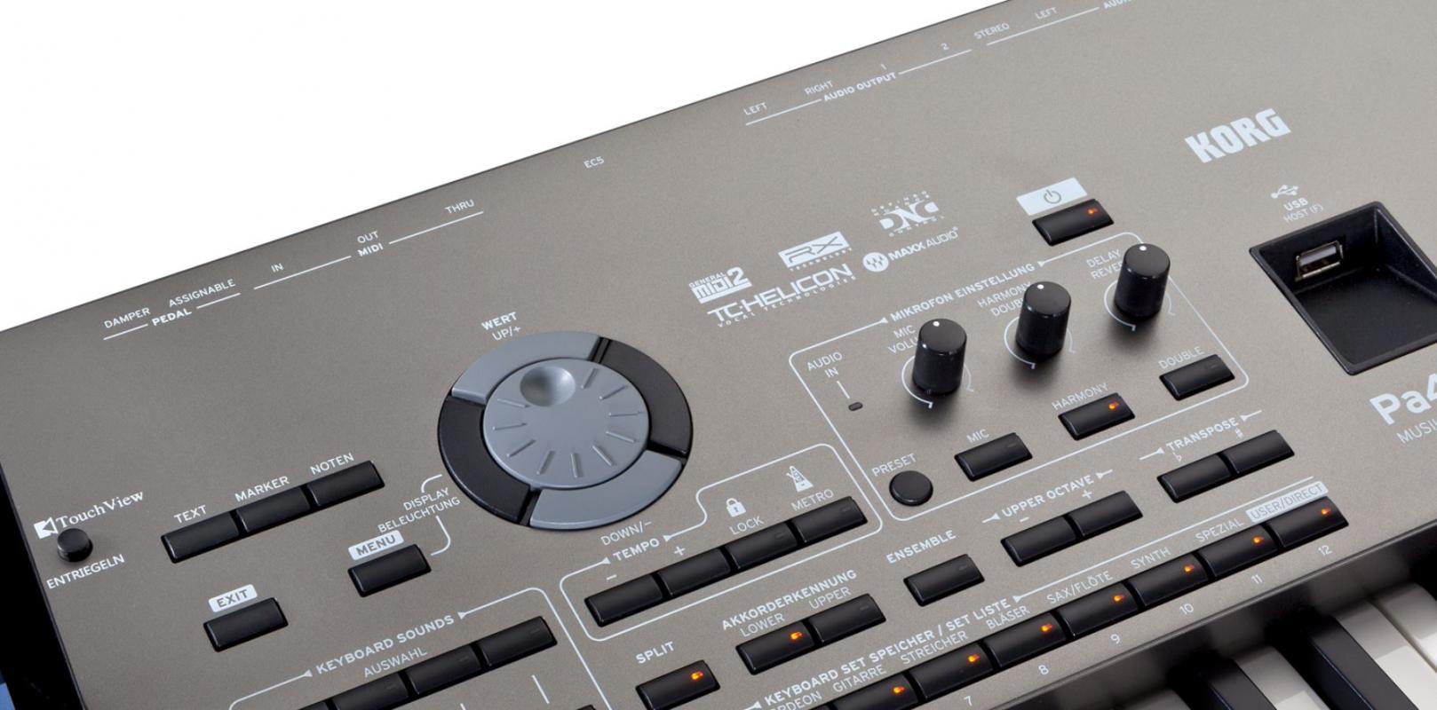PA4X76 Musikant mit Speaker