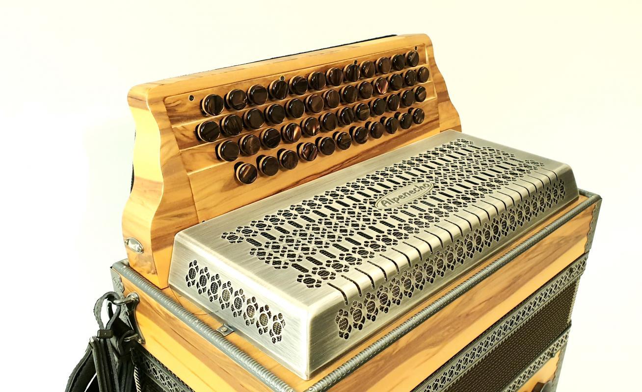 Profi-Harmonika Satino-Nuss/Altsilber