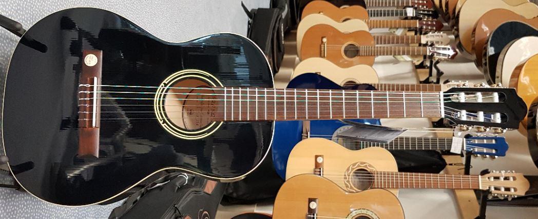 Konzertgitarre schwarz 3/4-Größe