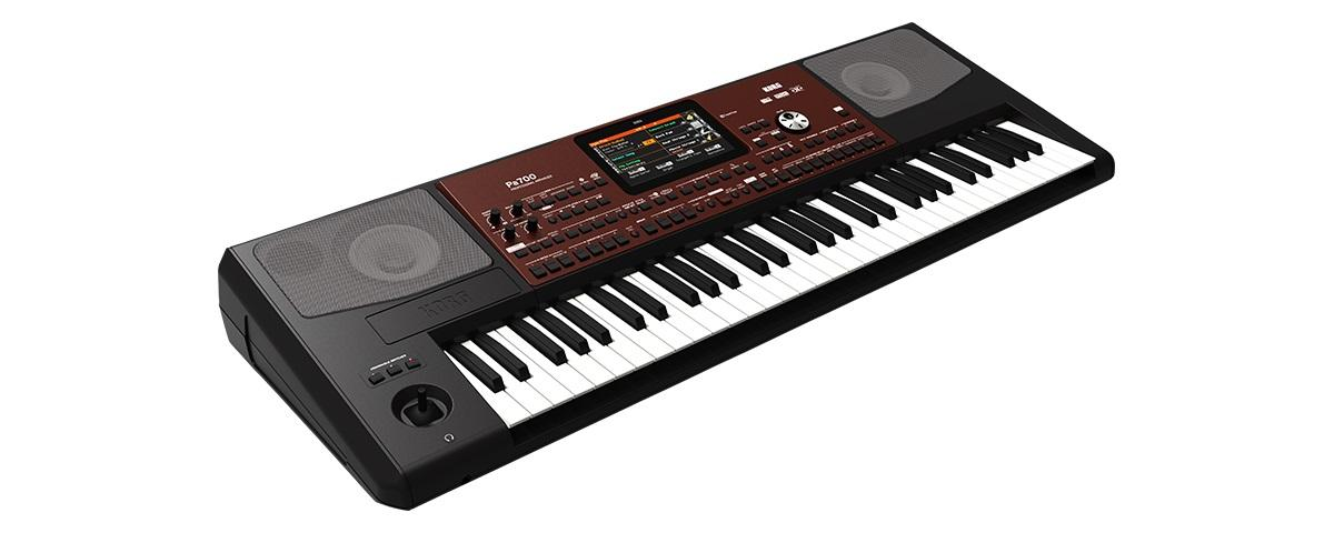 PA700 Entertainer Workstation